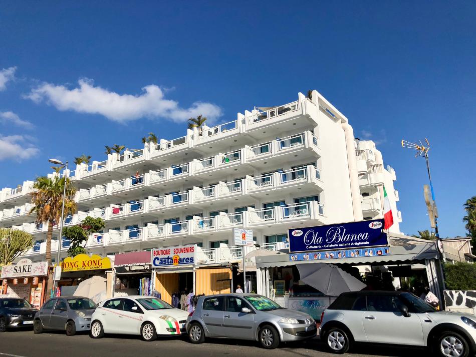Hotel Marieta en Cafe Ola Blanca in Playa del Ingles op Gran Canaria