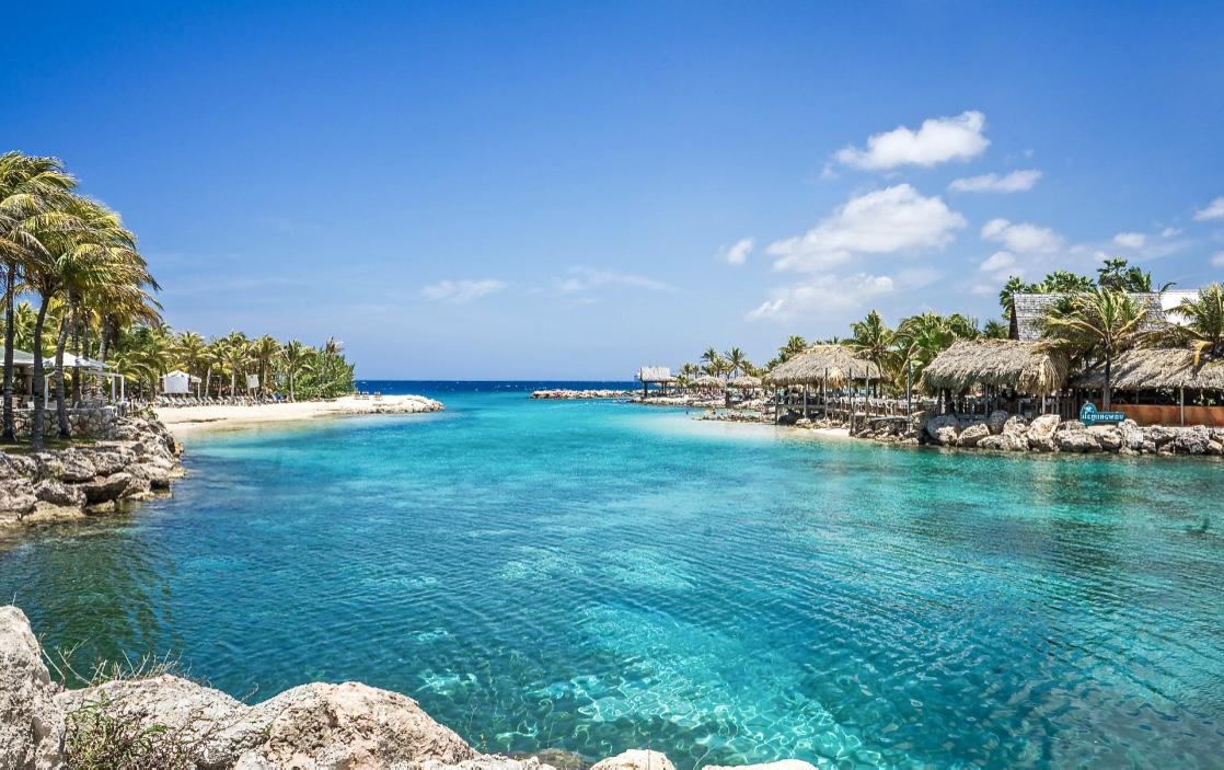 Het emigratieverhaal van Caroline (26) op Curaçao