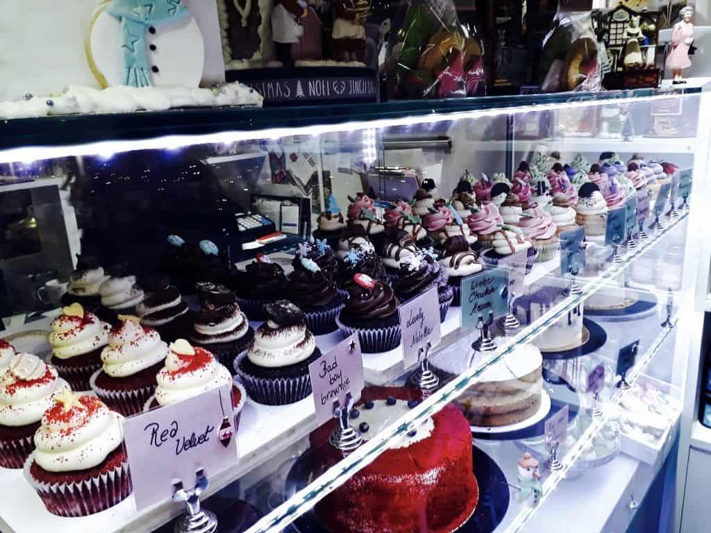 Emigreren Gran Canaria - Londen - Reisverslag van 3 dagen in Londen + handige tips - Covent Garden Sweetheart Cakes vitrine