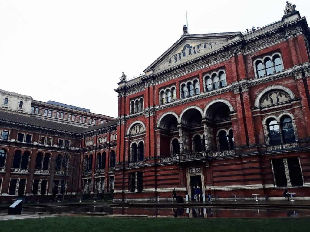 Emigreren Gran Canaria - Londen - Reisverslag van 3 dagen in Londen + handige tips - Victoria en Albert Museum binnenplaats