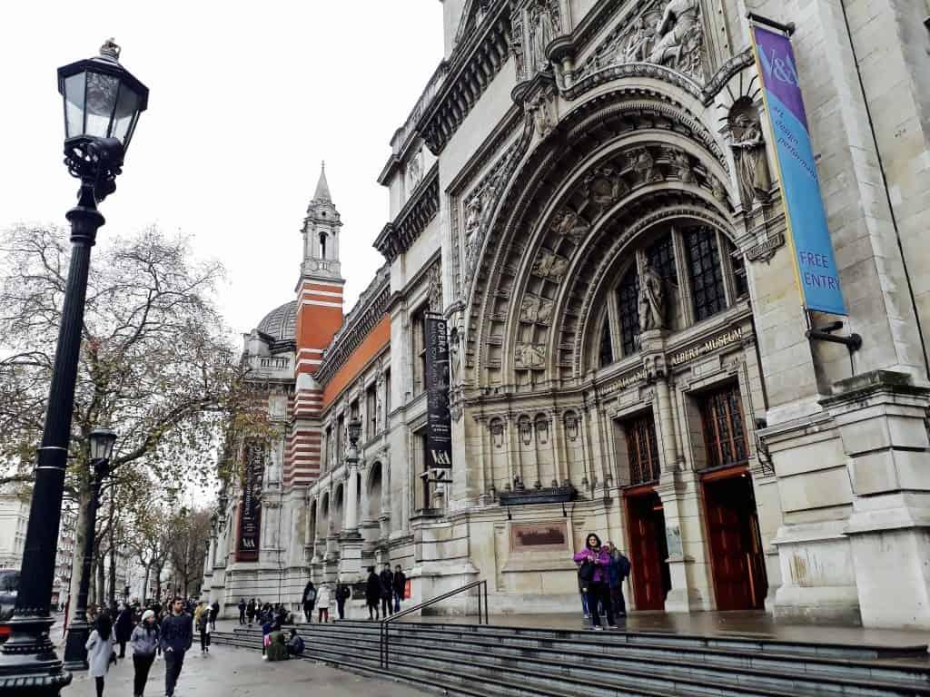Emigreren Gran Canaria - Londen - Reisverslag van 3 dagen in Londen + handige tips - Victoria en Albert Museum ingang