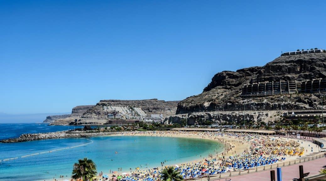 Emigreren Gran Canaria - Werkgelegenheid op de Canarische Eilanden toegenomen - Amadores strand - Andrew Callow via Flickr