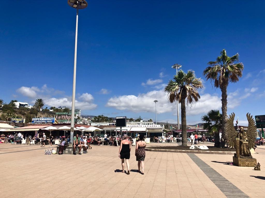 Emigreren Gran Canaria - Emigreren naar Gran Canaria als twintiger - De voor- en nadelen - De voordelen - Playa del Ingles Anexo 2