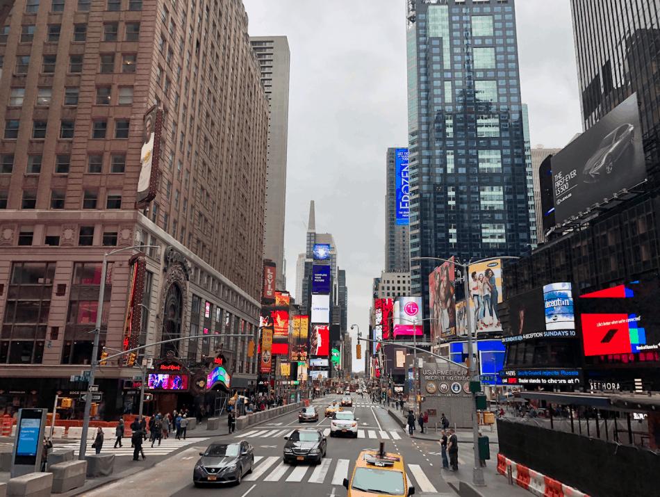 Emigreren Gran Canaria - Reisverslag - Hoogtepunten van NYC - Amerika reis deel 3 - Hop on Hop off bus tour New York Times Square