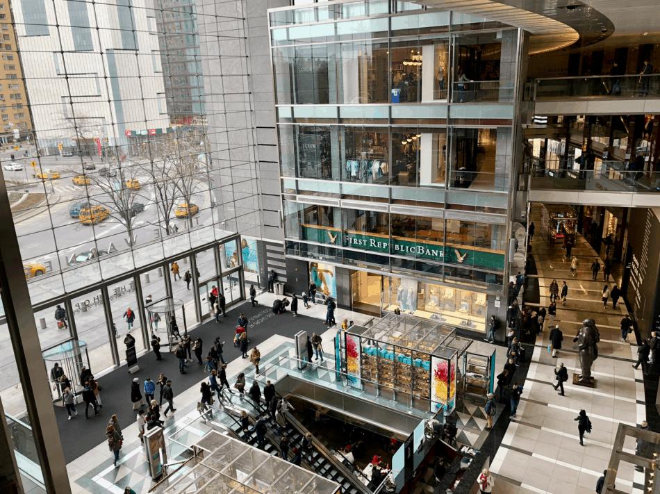 Emigreren Gran Canaria - Reisverslag - Hoogtepunten van NYC - Amerika reis deel 3 - Hop on Hop off bus tour - Winkelcentrum The Shops at Columbus New York