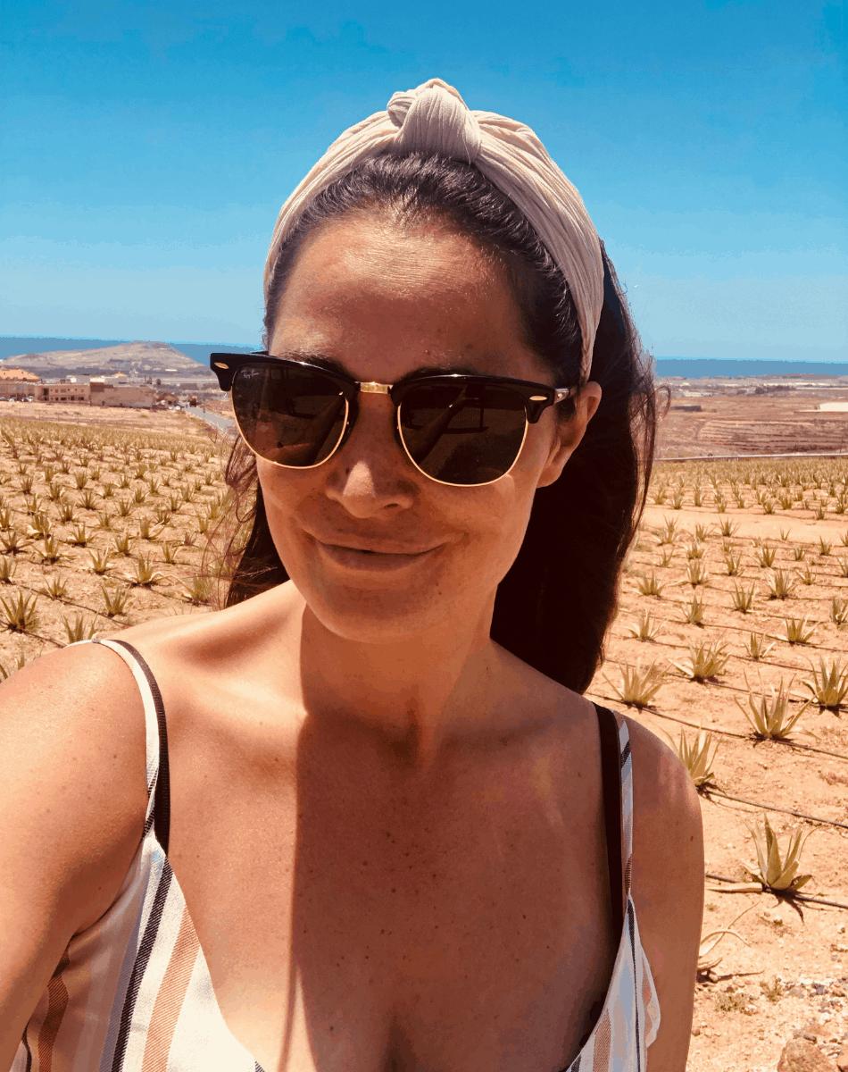 Melissa op de Aloe Vera plantage in El Goro op Gran Canaria
