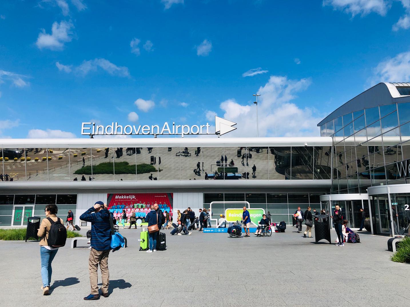 Hoofdingang Eindhoven Airport Eindhoven