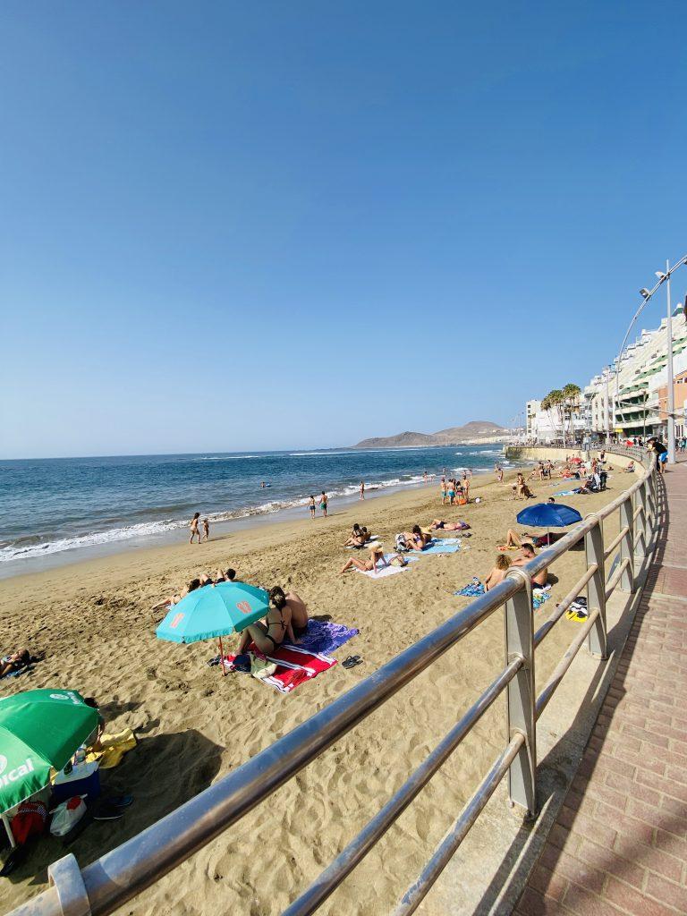 Strand van Las Canteras in Las Palmas op Gran Canaria