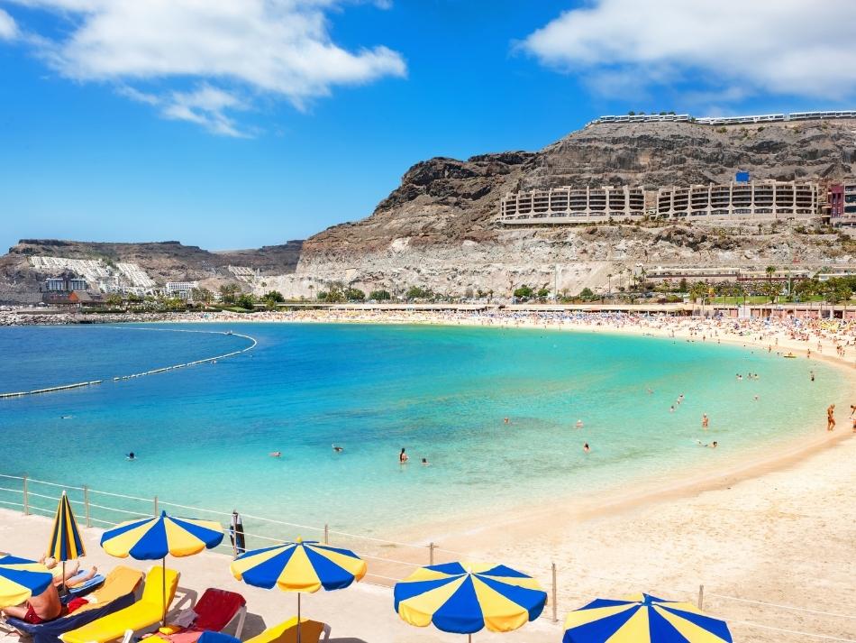 Dagje aan het amadores strand op gran canaria leukste buitenactiviteiten op gran canaria